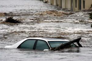 flood - car under water